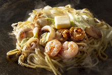 Yakisoba noodle with salt and butter seafood