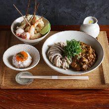 Kashiwa chicken keema curry udon with assorted tempura skewers, 3 kinds