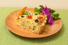 Tofu and vegetable veggie quiche (vegan and gluten-free)