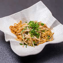 Sichuan-style spicy yakisoba