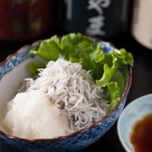 Whitebait with grated daikon