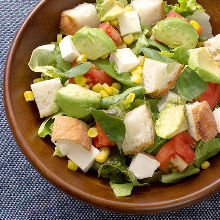 Tomato and avocado cheese baguette salad