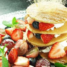 Fruits pancakes