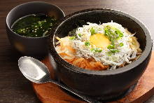 Stone-grilled rice with boiled whitebait