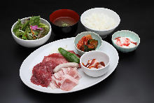 Assorted yakiniku meat of the day