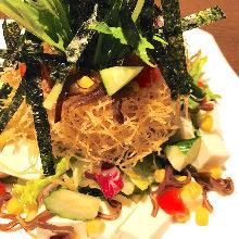 Salad with nori(seaweed)