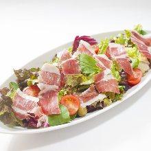 Bellota Iberian pork prosciutto salad