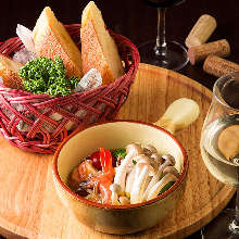 Shrimp and mushroom ajillo