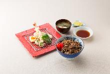 Jingisukan (grilled mutton) rice bowl and tempura set