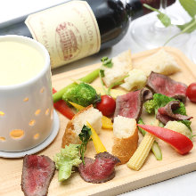 Meat cheese fondue