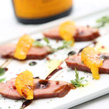Smoked duck and fruits