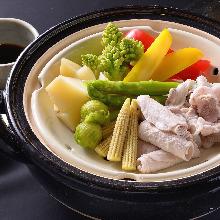 Pork steamed in earthen pot