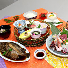 Simmered fish of the day meal set