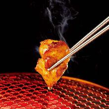 Grilled chicken bonjiri (tailbone meat) with sauce