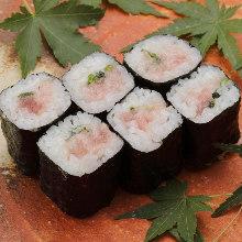 Fatty tuna and spring onion sushi rolls