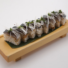 Mackerel rod-shaped sushi