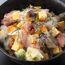 Barachirashi (mixed chirashizushi) rice bowl