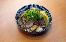 Grilled manila clams with butter
