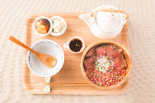 Roast beef rice bowl
