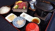 Kawara tile-grilled Wagyu beef set meal