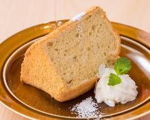 Chiffon cake with soy milk cream