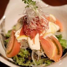 Prosciutto and mozzarella salad