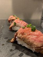 Roast beef sushi