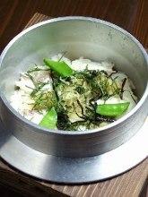 Sea bream Kamameshi (pot rice)