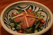Raw ham and avocado salad