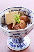 Simmered meat and tofu with konjac ball