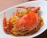 Cream sauce spaghetti with crab