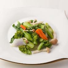 Stir-fried seasonal vegetables
