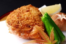 Deep fried crab meat and tomalley in shell