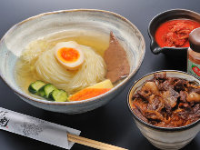 Mini reimen (cold noodles) and choice of mini rice bowl set
