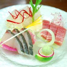 季節の鮮魚盛り合わせ3種