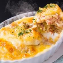 ポテトとベーコンのチーズ焼き