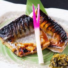 季節の魚の西京焼き