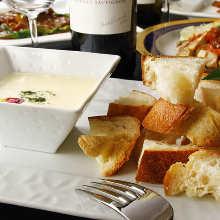 カマンベールチーズのフォンデュ