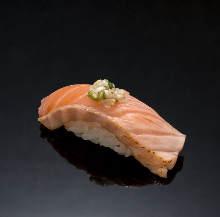 炙りサーモン(寿司)