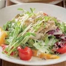 蒸し鶏のサラダ