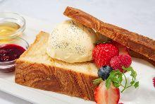 プレミアムハニトー(Premium Honey Toast)