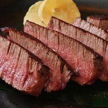 熟成牛ステーキ