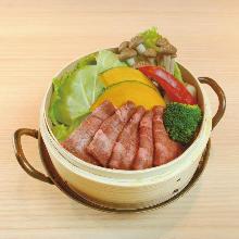 セイロ蒸し (牛タン,野菜)