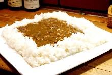 池袋で一番おいしい牛すじカレー(ココは新宿)