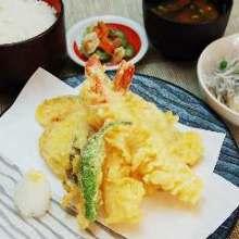 海老と季節野菜の天ぷら盛り合わせ
