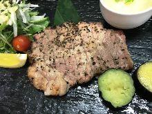 豚肩ロースの炙りステーキ