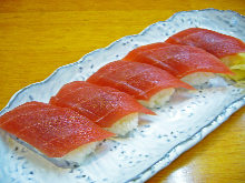 マグロ(寿司)