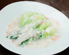 青菜のカニ卵白ソースがけ