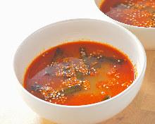 コムタン麺(旨辛)