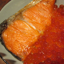 いくらと鮭の親子丼